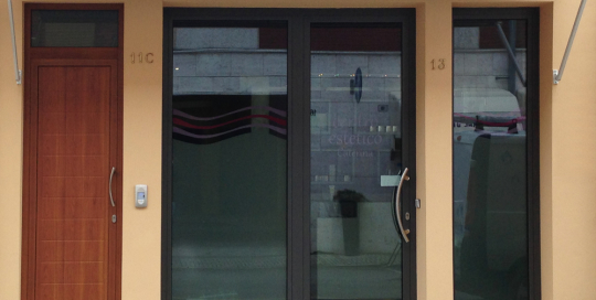 Porta di ingresso centro estetico