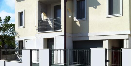 Cancellata in ferro per abitazione privata a Porto Garibaldi (FE).