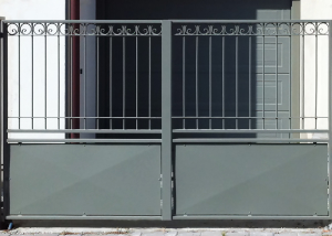 Cancello carraio in ferro battuto